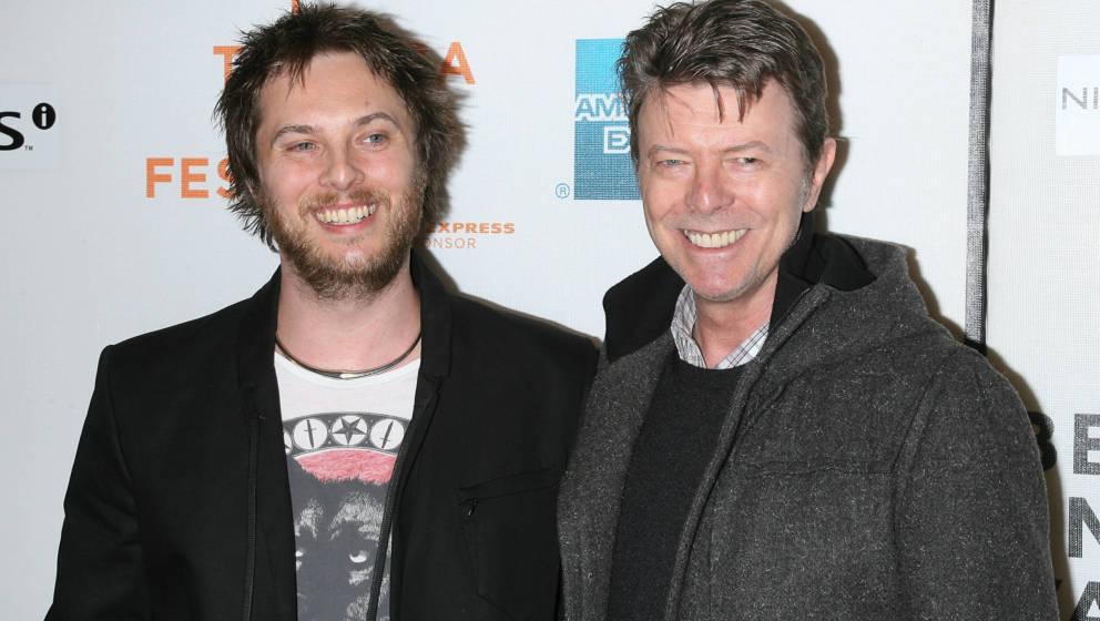 Duncan Jones und David Bowie 2009 in New York City.