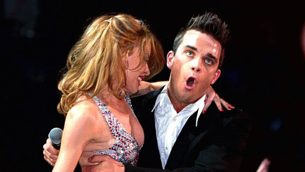 The 2000 Mtv Europe Music Awards In Stockholm, Sweden, Kylie Minogue And Robbie Williams Duet (Photo by Brian Rasic/Getty Ima