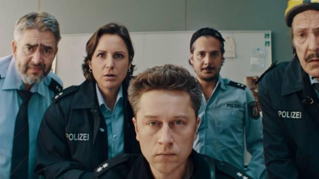 """Gewinnen: """"FAKING BULLSHIT – Krimineller als die Polizei erlaubt"""" auf Blu-ray"""