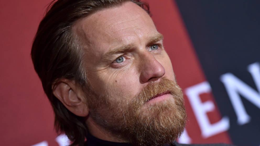 LOS ANGELES, CALIFORNIA - OCTOBER 29: Ewan McGregor attends the Premiere of Warner Bros Pictures' 'Doctor Sleep' at Westwood
