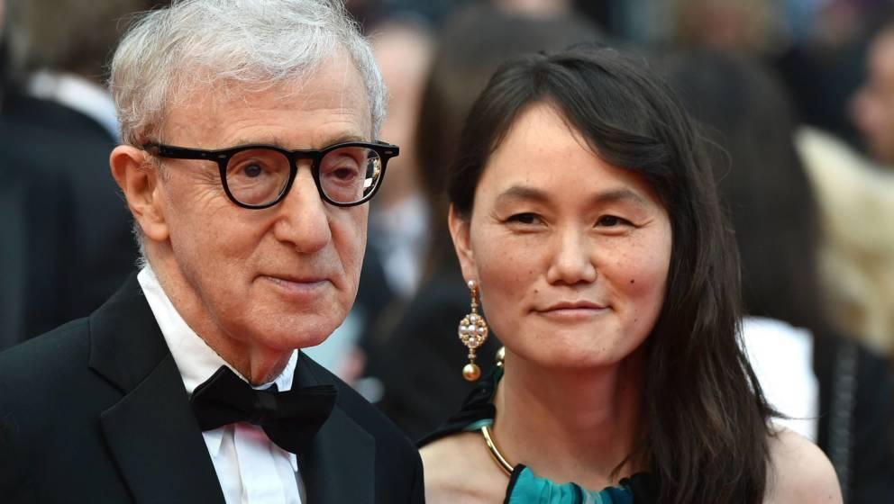 Woody Allen heiratete 1997 die Adoptivtocher seiner vorherigen Partnerin und Schauspielerin Mia Farrow.