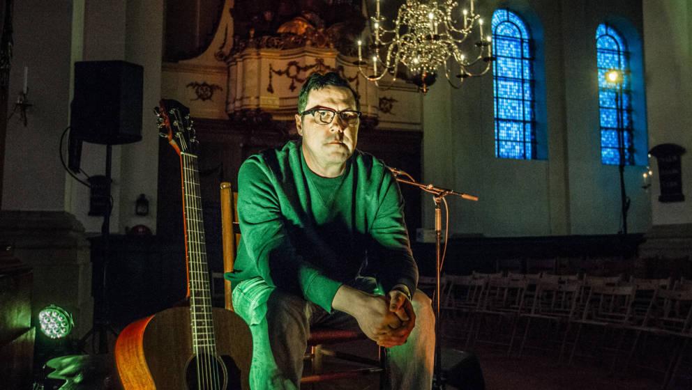 Portrait of American singer-songwriter Damien Jurado, Haarlem, Netherlands, 7th March 2018 . (Photo by Paul Bergen/Redferns)