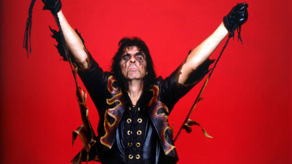 DETROIT - OCTOBER 30: American singer, songwriter, and actor, Alice Cooper, poses backstage at the Cobo Arena during 'The Nig