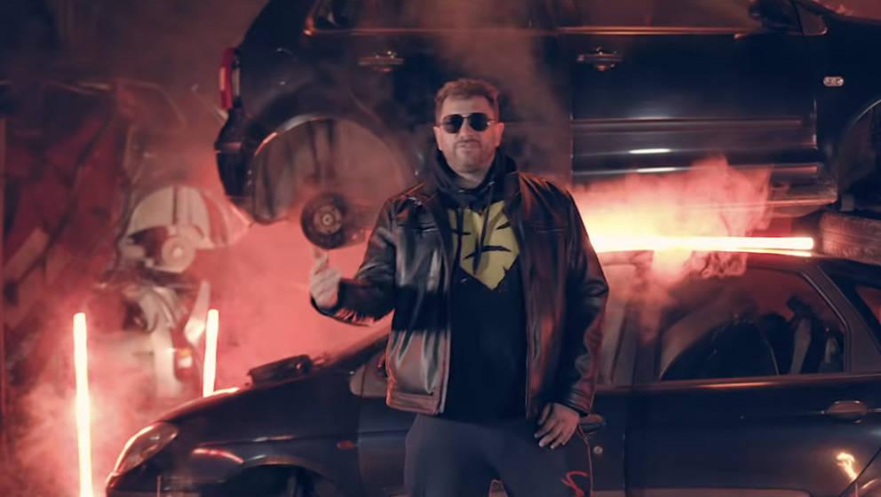 King Orgasmus One in seinem Musikvideo zu  'Ich Bin Immer Noch Der Gleiche', 2021