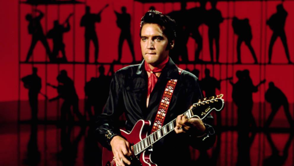 BURBANK, CA - JUNE 27: Rock and roll musician Elvis Presley performing on the Elvis comeback TV special on June 27, 1968 in B