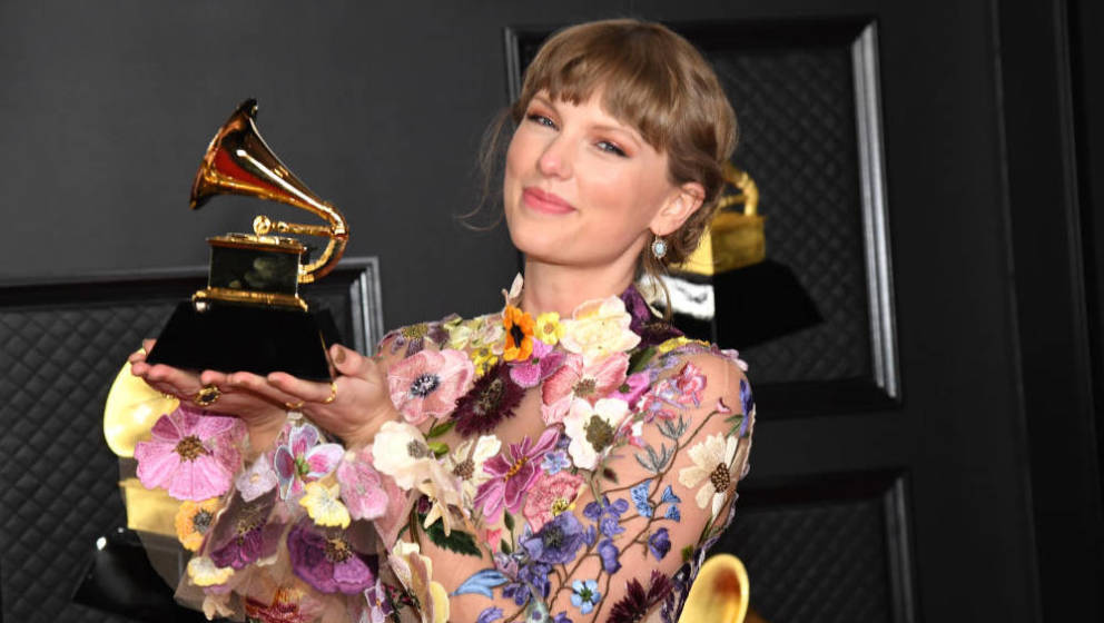 LOS ANGELES, CALIFORNIA - MARCH 14: Taylor Swift, winner of Album of the Year for 'Folklore', poses in the media room during