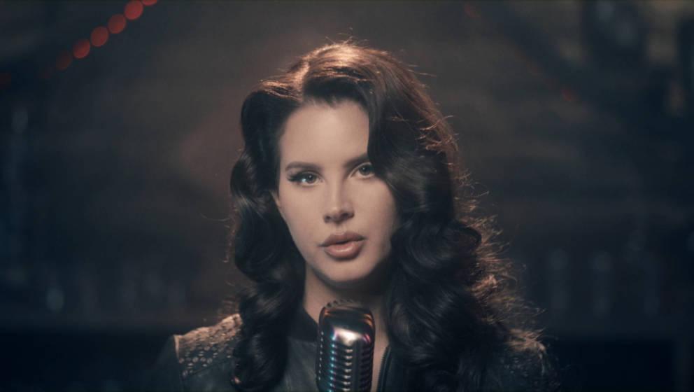 "Lana Del Rey bei ihrem Auftritt bei ""The Tonight Show Starring Jimmy Fallon"" am 14. Dezember 2020."