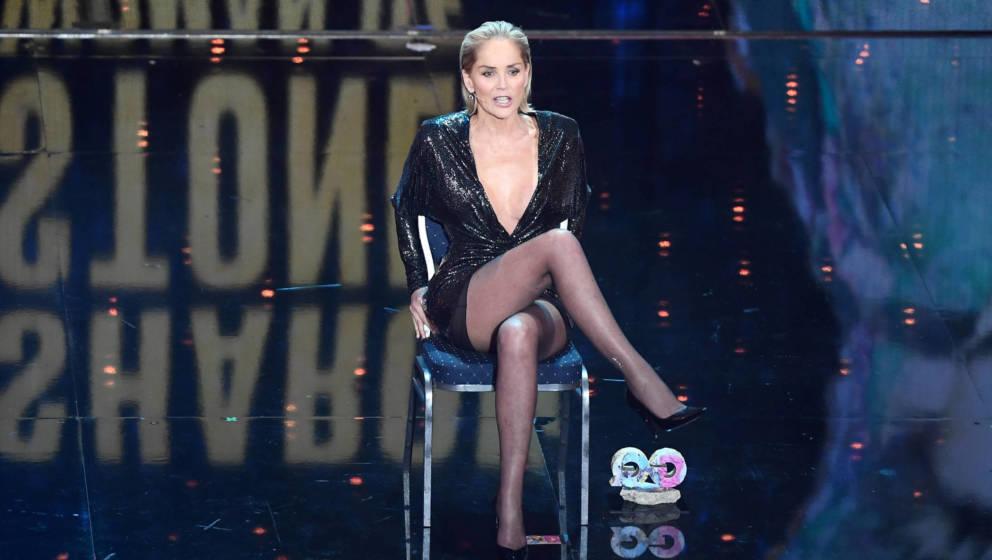 "Sharon Stone bei den ""GQ Awards"" 2019, wo sie den Preis ""Woman Of The Year"" erhielt."