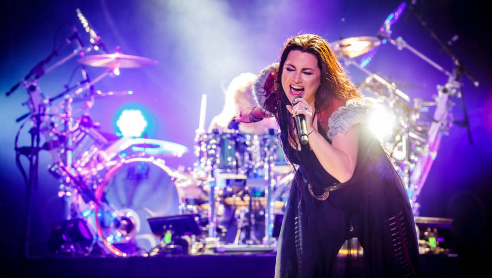 MONTREAL, QUEBEC - JULY 27: Singer Amy Lee of Evanescence performs at Heavy Montreal at Parc Jean-Drapeau on July 27, 2019 in