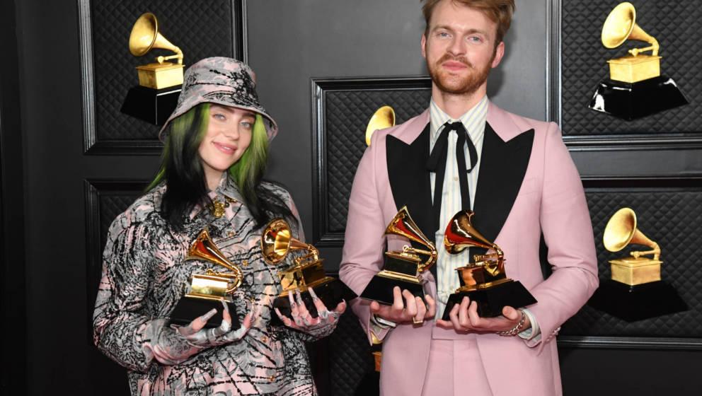 Billie Eilish und Finneas O'Connell 2021 bei den Grammy Awards.