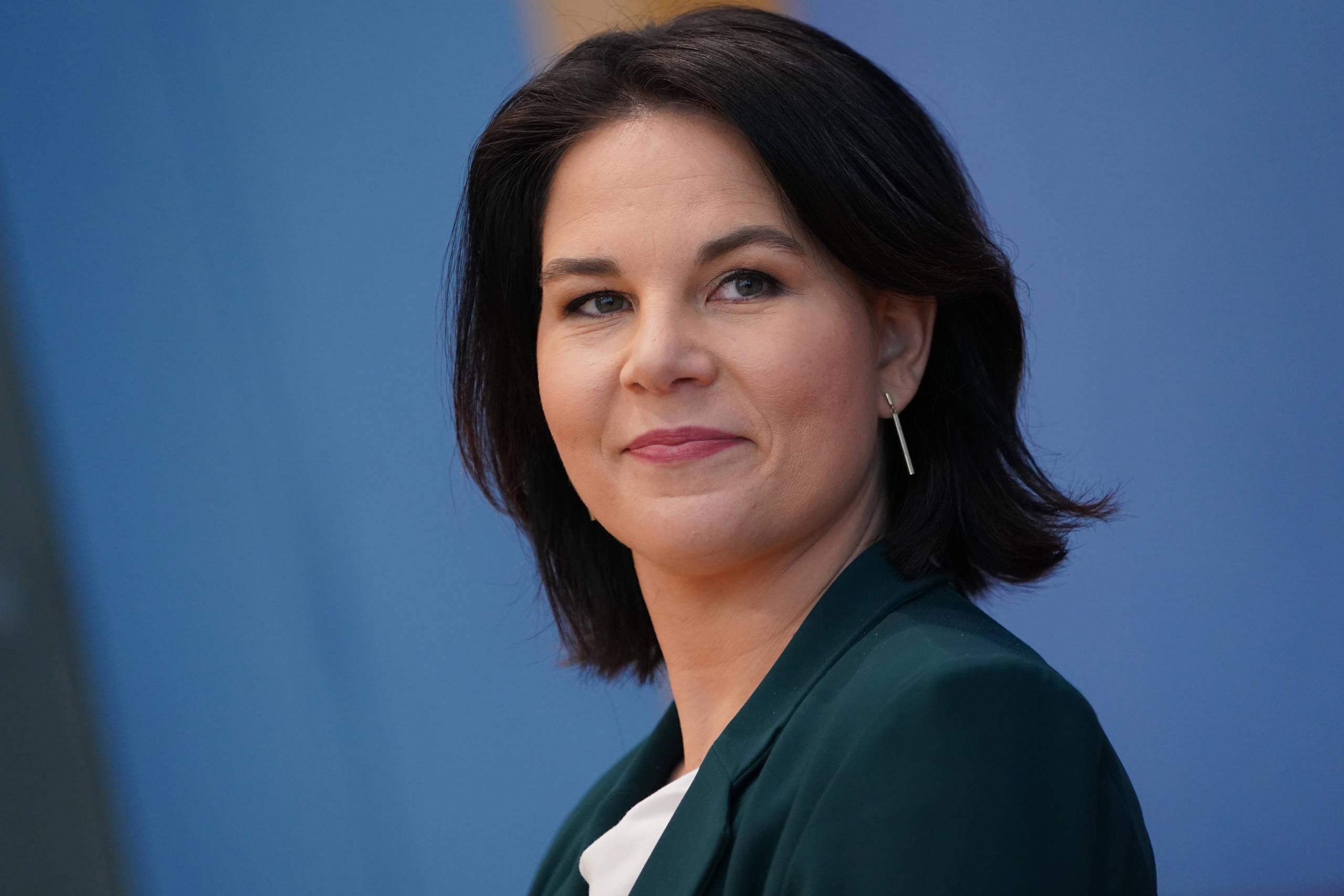 Let There Be Baerbock Wird Annalena Baerbock Die Erste Grune Kanzlerkandidatin