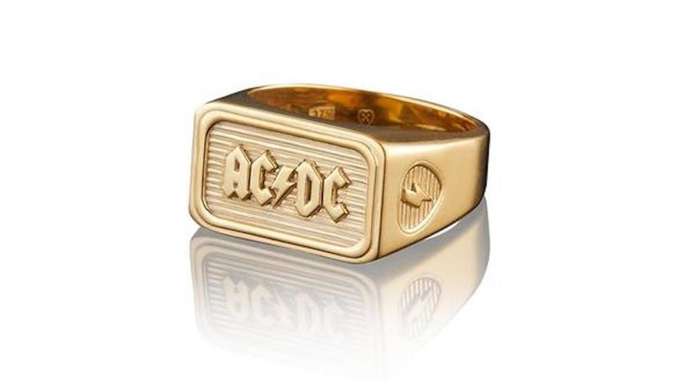 AC/DC-Tribute-Ring