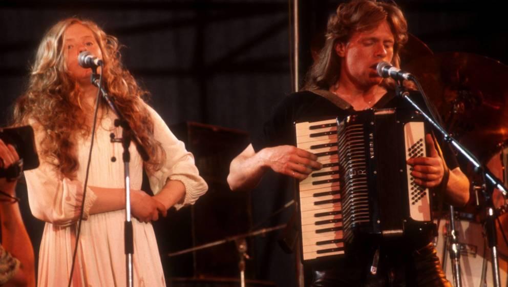 Barby Kelly (links) und Jimmy Kelly (rechts) bei einem Auftritt der Kelly Family im Jahr 1997.