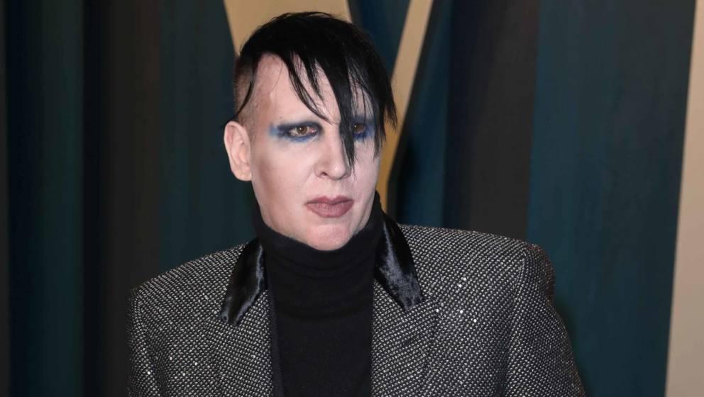 Marilyn Manson wurde nun offiziell vor Gericht  aufgrund diverser Missbrauchsvorwürfe angeklagt.
