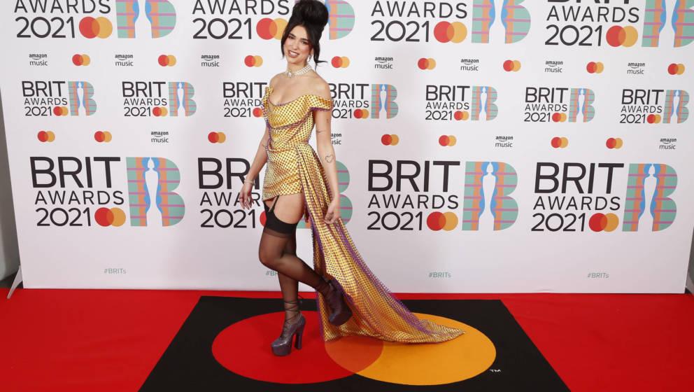 Dua Lipa auf dem roten Teppich bei den Brit Awards am 11. Mai 2021 in London.