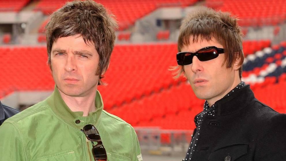 Noel Gallagher und Liam Gallagher im Wembley Stadion am 16. Oktober 2008 in London.