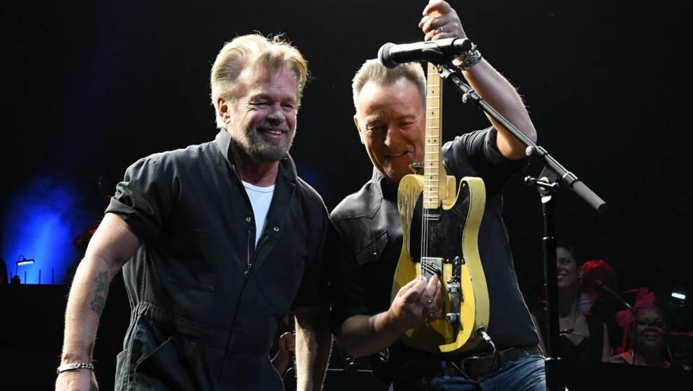 Bruce und John gemeinsam auf der Bühne 2019.