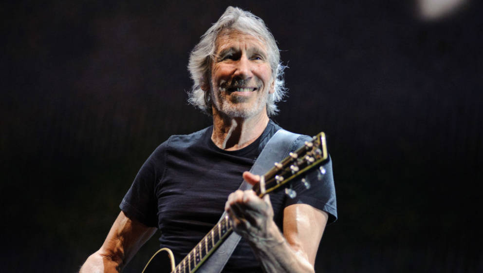 CHICAGO, IL - JULY 22:  Roger Waters permors at the United Center on July 22, 2017 in Chicago, Illinois.  (Photo by Timothy H