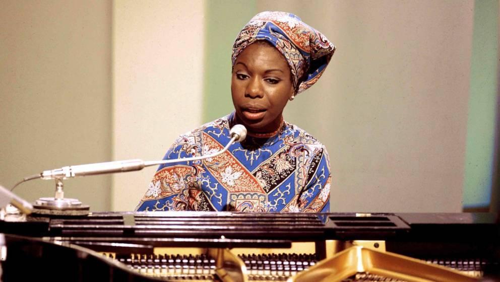 Nina Simone (1933-2003) bei einem Auftritt für BBC, 1966 in London.