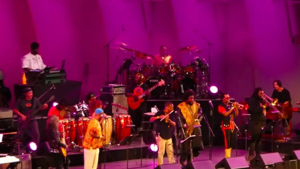 Kamasi Washington mit Kirk Hammett und Robert Trujlllo auf der Bühne