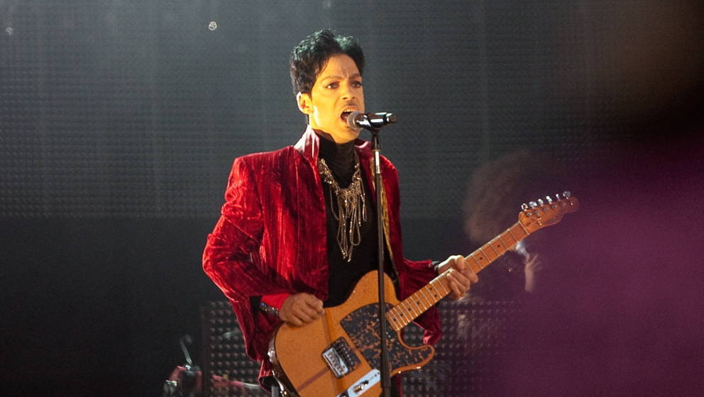 US singer Prince performs on the main stage at the first day of Sziget (Island) Festival on August 9, 2011 on 'Hajogyar' (Shi