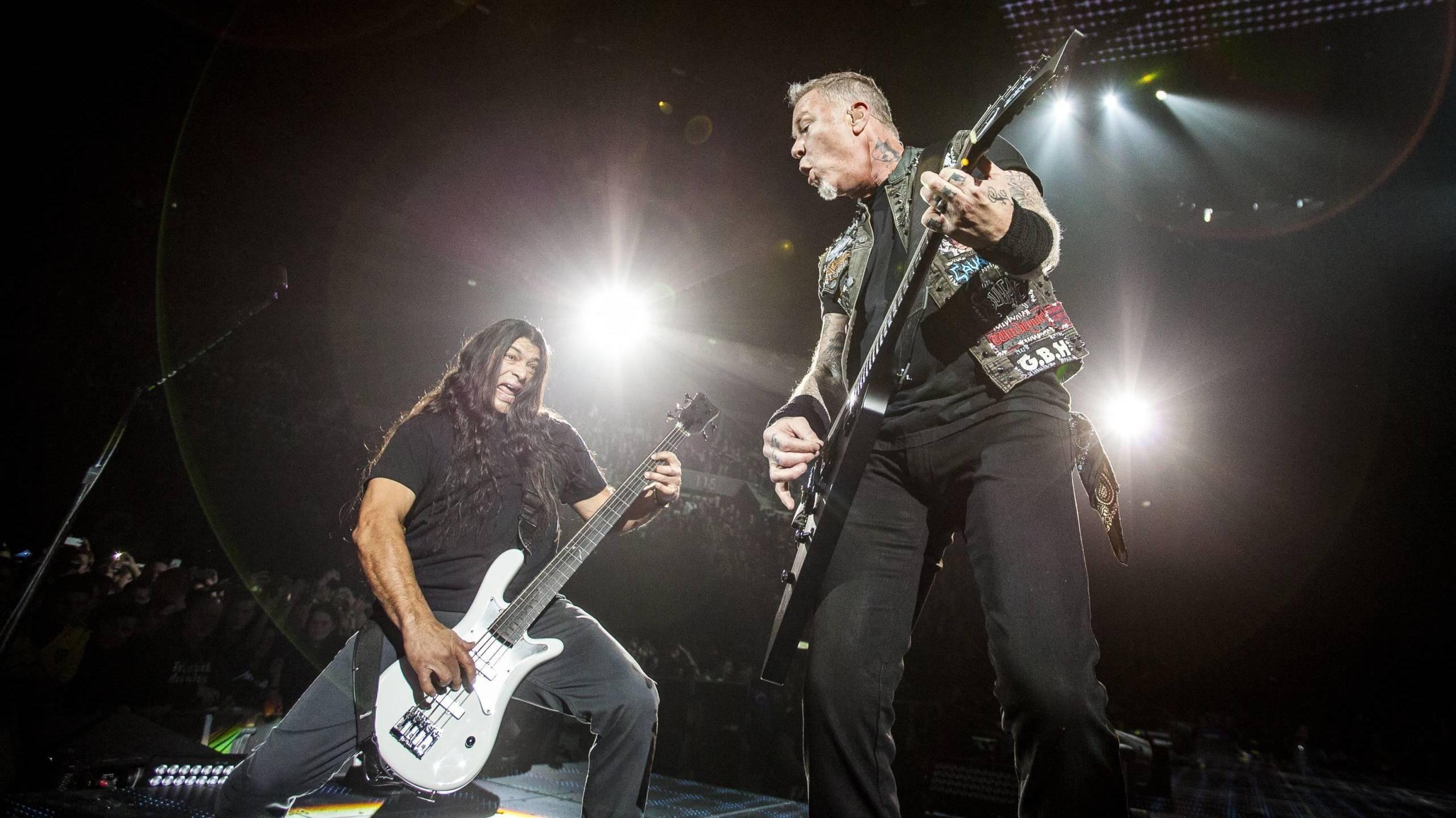 """Metallica: mit dem """"Black Album"""" wieder auf Platz eins der deutschen Albumcharts"""