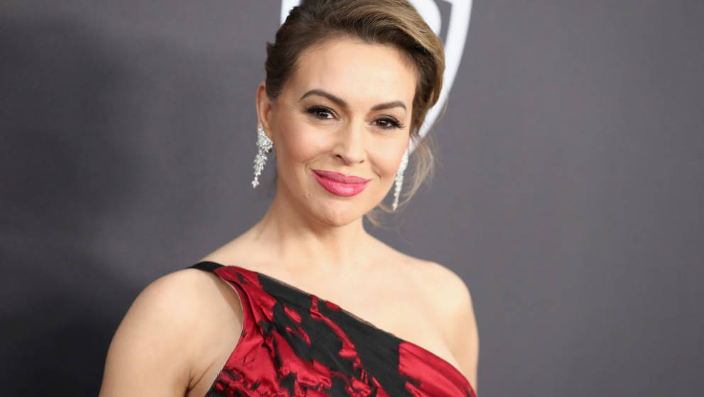 BEVERLY HILLS, CA - JANUARY 06:  Alyssa Milano attends the InStyle And Warner Bros. Golden Globes After Party 2019 at The Bev