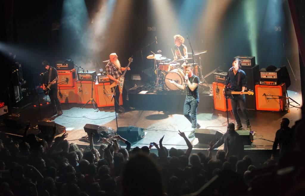 Die Eagles Of Death Metal während ihres Konzerts im Pariser Bataclan am 13. November 2015