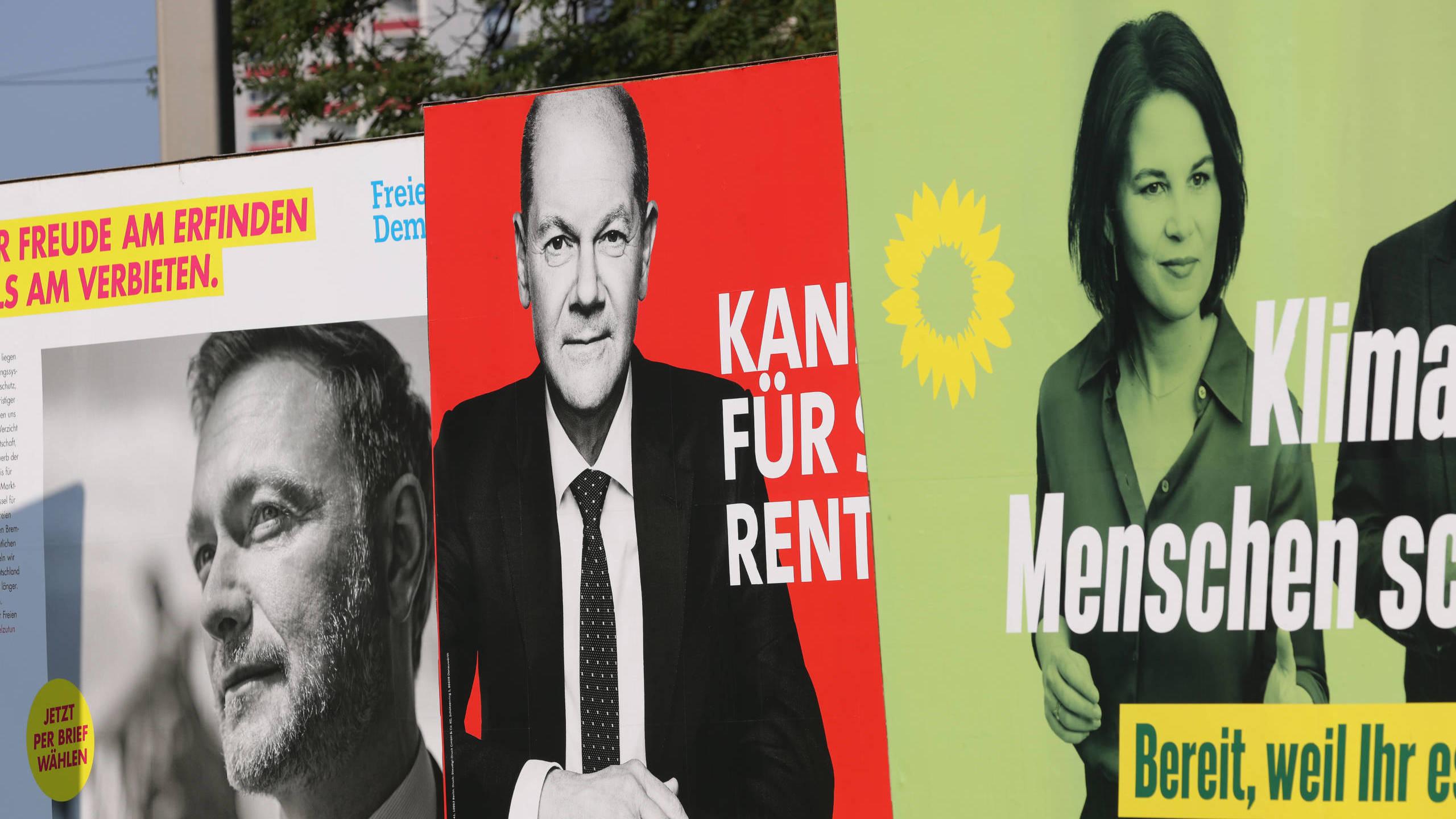 Wahlplakate zur Bundestagswahl von FDP, SPD und Bündnis 90/Die Grünen am 5. September 2021 in Leipzig. (Gallup/Getty Images