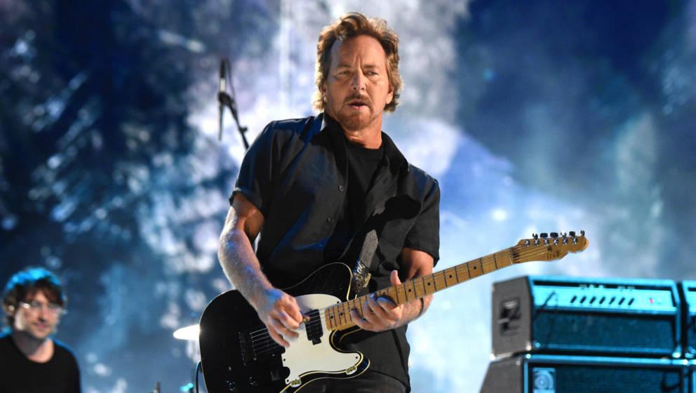 Eddie Vedder live beim Global Citizen VAX LIVE: Das Konzert um die Welt zu vereinen. SoFi Stadium in Inglewood, Kalifornien.