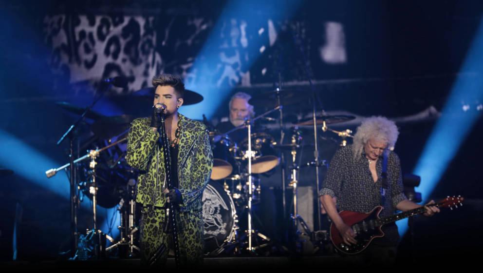 Bei neuen Songs der britischen Rockband Queen herrscht Unstimmigkeit. (Photo by Cole Bennetts/Getty Images)