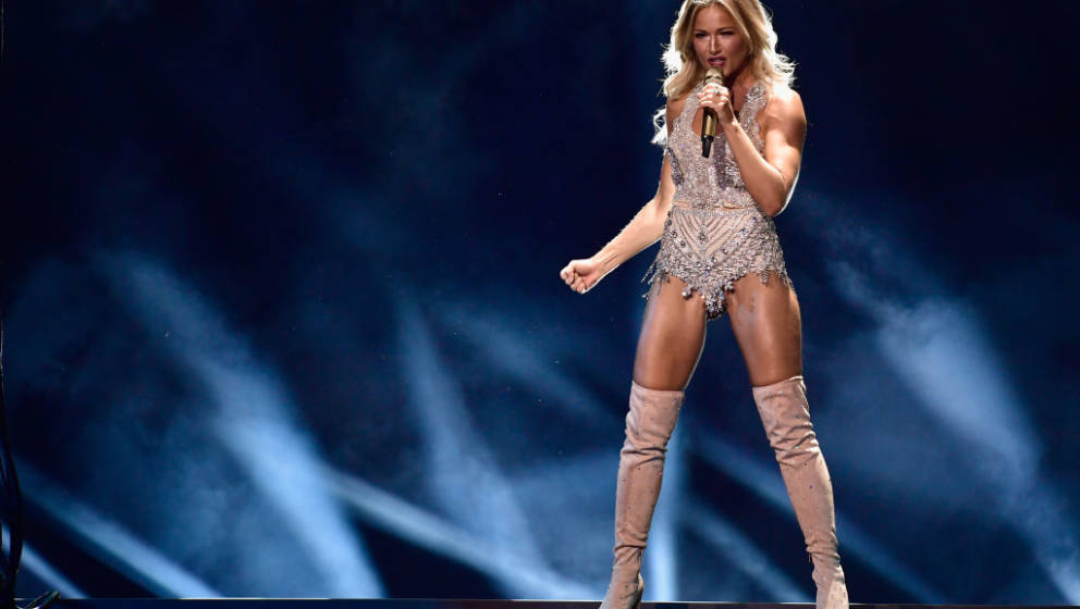 BERLIN, GERMANY - NOVEMBER 16:  Helene Fischer performs on stage during the Bambi Awards 2017 show at Stage Theater on Novemb