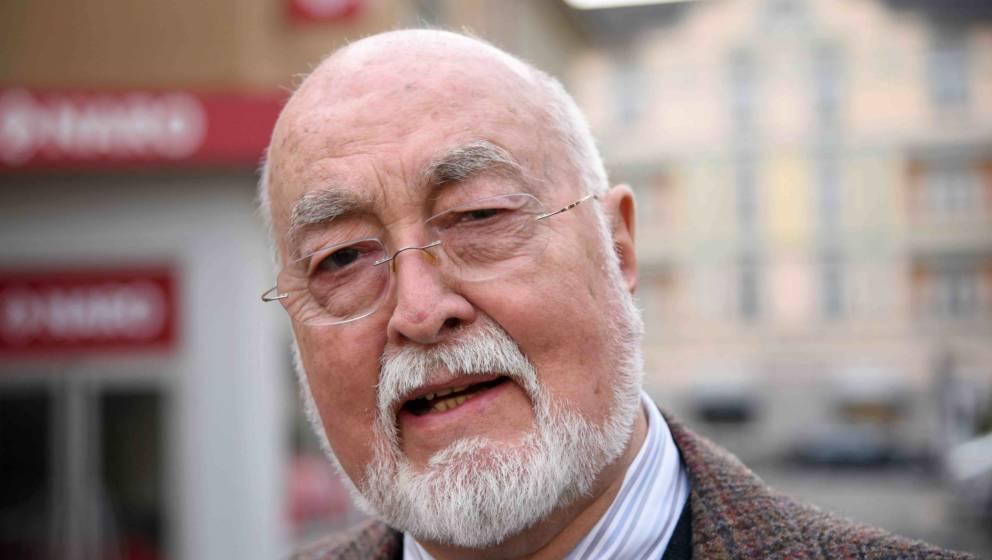 Ludwig Haas (Dr. Dressler).