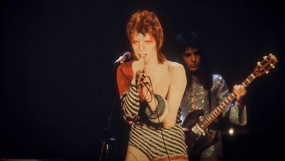 """David Bowie live während der """"Ziggy Stardust""""-Tour im Jahr 1972. (Photo by Armando Gallo/Gettry Images)"""