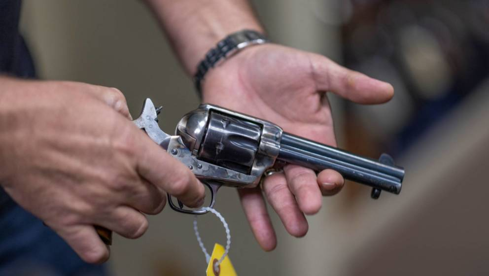 Eine Prop Gun wie diese kommt an Filmsets zum Einsatz und soll eigentlich Unfälle verhindern